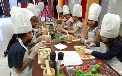Quatre receptes senzilles i divertides per fer amb nens a casa