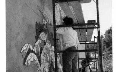Decoració i pintat de la façana del Club Bellaterra pel carrer Lluis de Àbalo