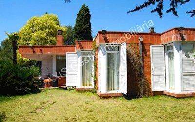 AXIS ofereix una casa de 220 m2 en planta, més semisoterrani de 200 m2