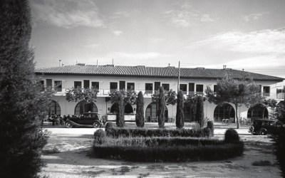 La façana de l'Hostal Sant Pancraç, als anys 40