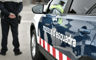 Mossos detenen un home a la plaça del Pi de Bellaterra