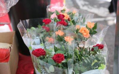 Obert el termini per sol·licitar parades de flors i llibres per Sant Jordi