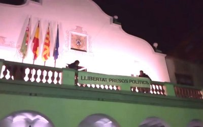 El PP deCerdanyoladenuncia la pancarta de l'Ajuntament a la Junta Electoral de Sabadell