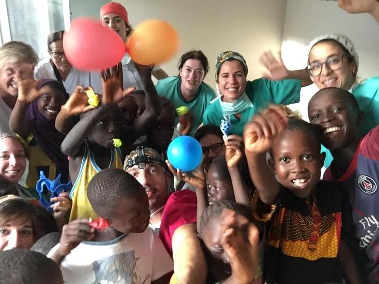 L'equip de Meduses treballa fent intervencions a Senegal