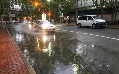 La intensa pluja del dia 18 causa talls de llum i danys a espais de la ciutat