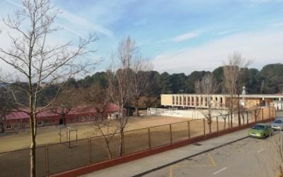 Famílies de l'Escola Bellaterra denuncien les condicions en la devolució dels seus terrenys a la UAB