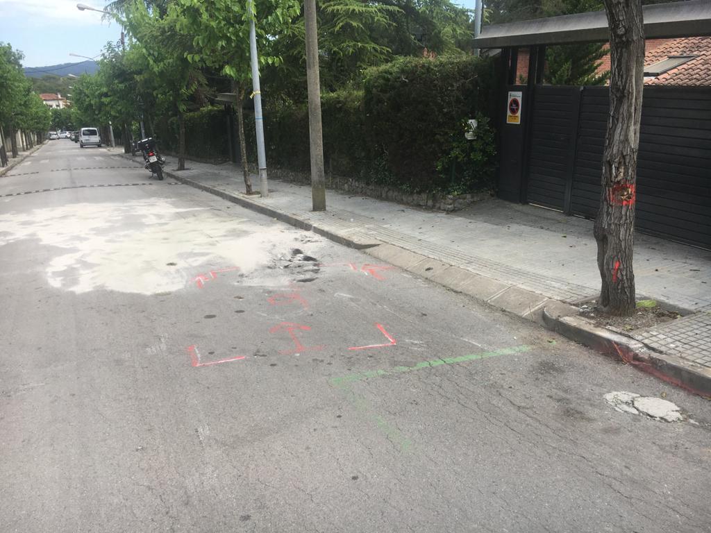 El vehicle es va accidentar al carrer de Ramon Llull | Redacció