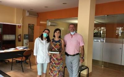 L'Associació Bellaterra Comerç homenatja a la Maria de la Immobiliària AXIS