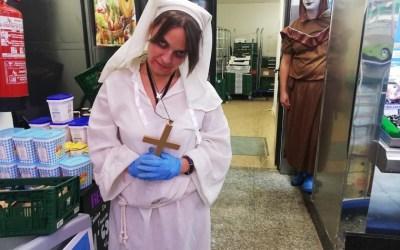 [FOTOS] Els comerços de Bellaterra es vesteixen de Halloween