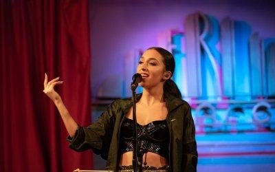 """La cantant bellaterrenca Izah publica el seu nou single """"Love Me Better"""""""
