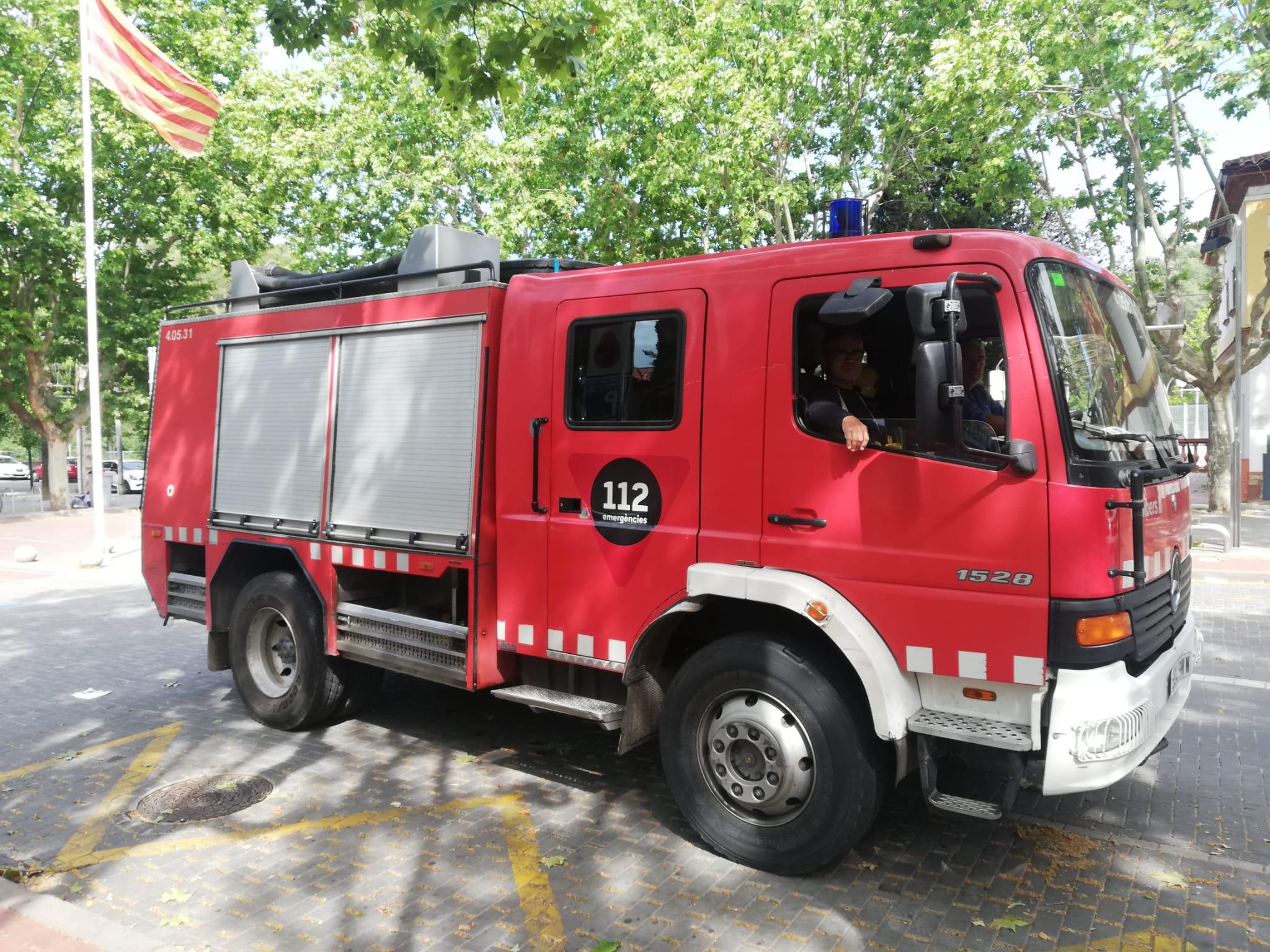 Camió de Bombers de la Generalitat a la plaça del Pi | Toni Alfaro