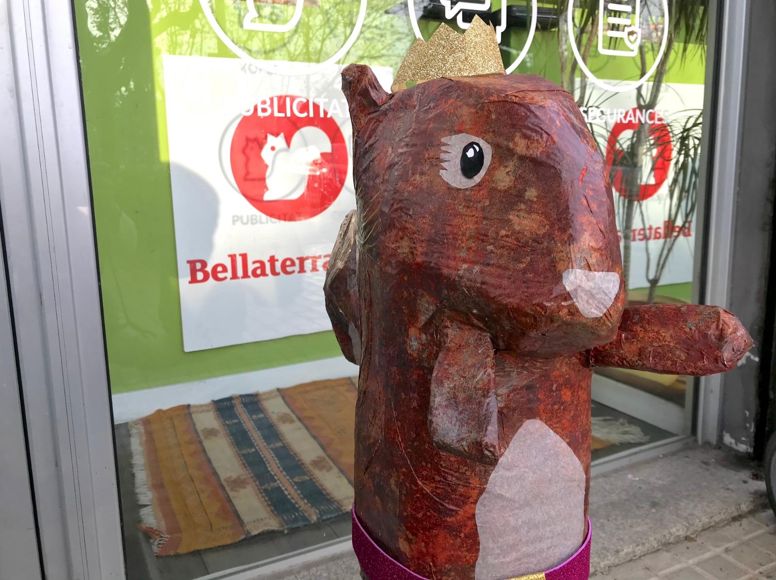 L'esquirol reial de Bellaterra ha recollit enguany les cartes dels infants del poble | Redacció