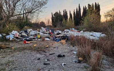 La Policia sanciona un abocament il·legal a Bellaterra
