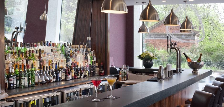 Island Grill - Bar