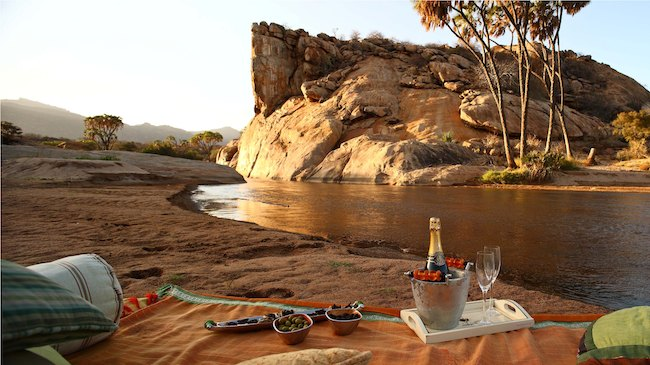 Joy's Camp - Champagne Sundowner