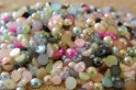 Perles multicolores, aussi disponibles en couleurs individuelles, quelques grandeurs disponibles