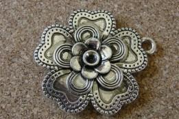 Grande fleur argentée, 50mm diamètre