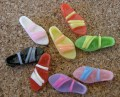 Sandales de résine colorées, 20x8mm, assortiment varié
