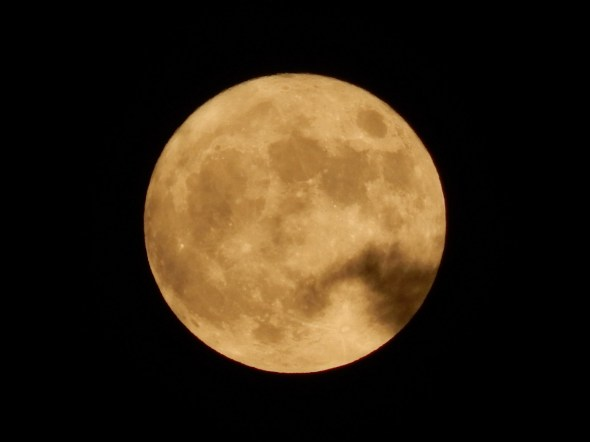 Supermoon fullmoon (credits to dimitris s.)