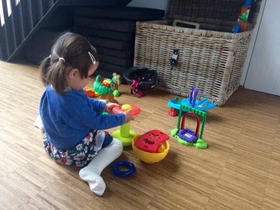 FASE 1. Lekker spelen met kleurrijk speelgoed.