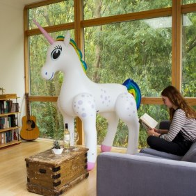 giant-inflatable-unicorn_33714