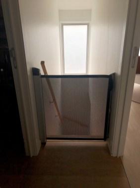 Dit vond ik super handig, veiligheidhekje aan de trap!
