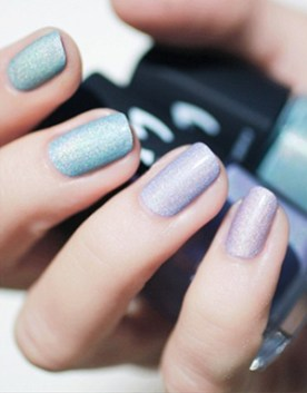 pastel-sparkle-wedding-nail-ideas-for-spring-and-summer-weddings