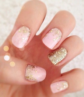 pink-and-gold-glittering-wedding-nails