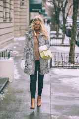 09 Adorable Winter Outfit Ideas with Boots