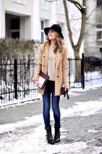 19 Adorable Winter Outfit Ideas with Boots