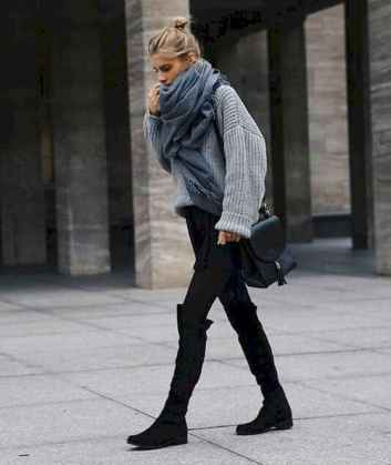 26 Amazing Outfit Ideas for Wearing Oversized Sweaters
