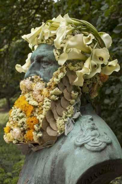 41 Most Elaborate Flower Beard Ideas
