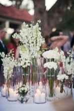 04 Romantic White Flower Centerpiece Decor Ideas