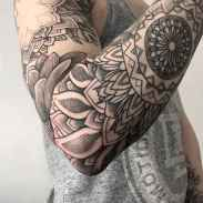 08 Amazing Sleeve Tattoos Ideas for Guys that Look Masculine