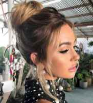 11 Cute and Easy Messy Bun Hairstyle for Summer