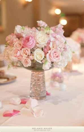 13 Romantic White Flower Centerpiece Decor Ideas