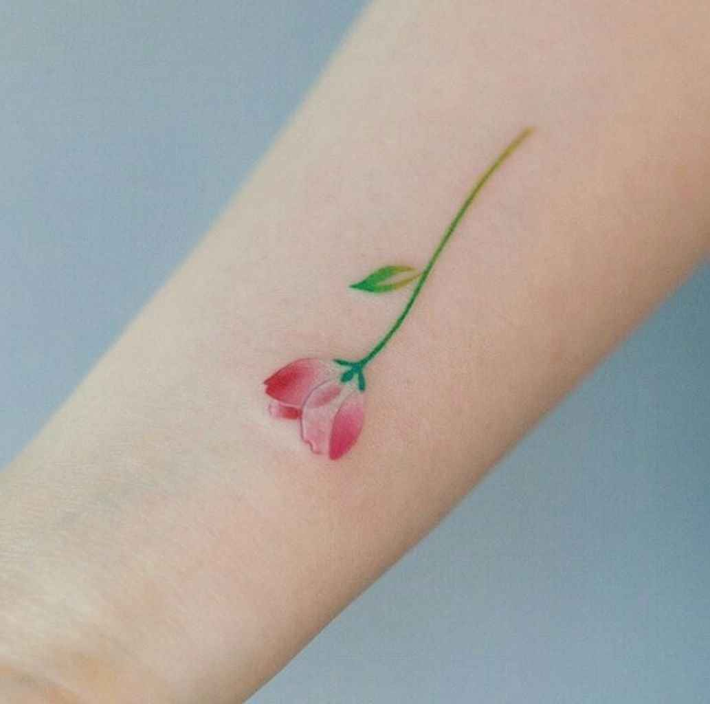 14 Cute and Tiny Tulip Tattoos Art Ideas for Women
