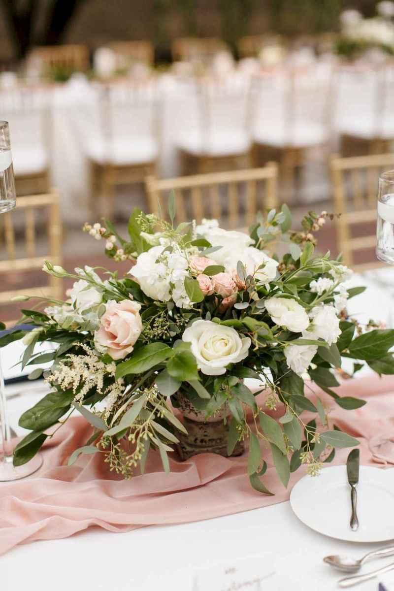 39 Romantic White Flower Centerpiece Decor Ideas