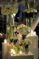 43 Romantic White Flower Centerpiece Decor Ideas
