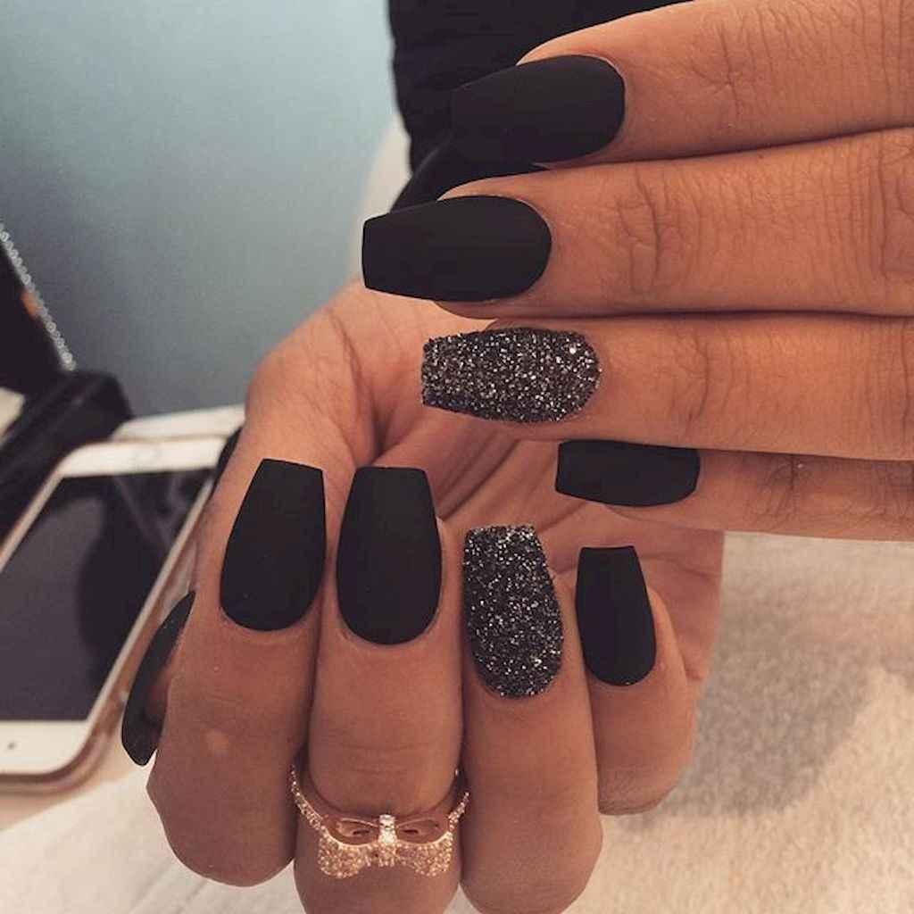 32 Elegant Black Nail Art Designs that You'll Love - 32 Elegant Black Nail Art Designs That You'll Love - Bellestilo.com