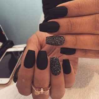 32 Elegant Black Nail Art Designs that You'll Love