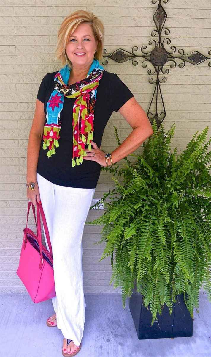 01 Best Stylish Outfits for Women over 50