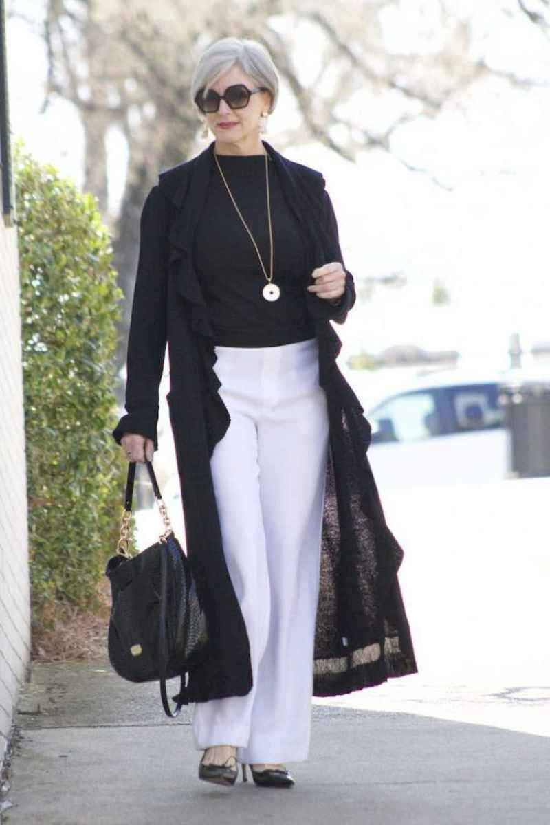 07 Best Stylish Outfits for Women over 50