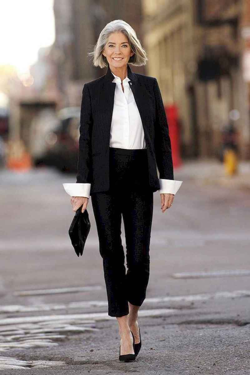 17 Best Stylish Outfits for Women over 50