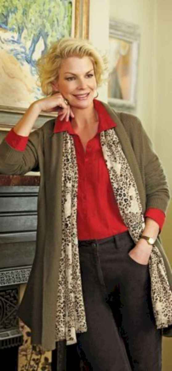 21 Best Stylish Outfits for Women over 50