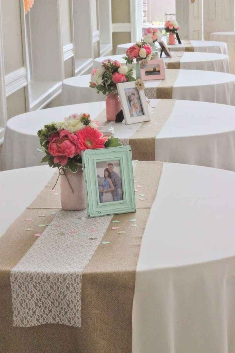 25 Simple and Easy Wedding Centerpiece Ideas