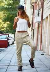 30 Elegant Beige Linen Pants Outfit Ideas