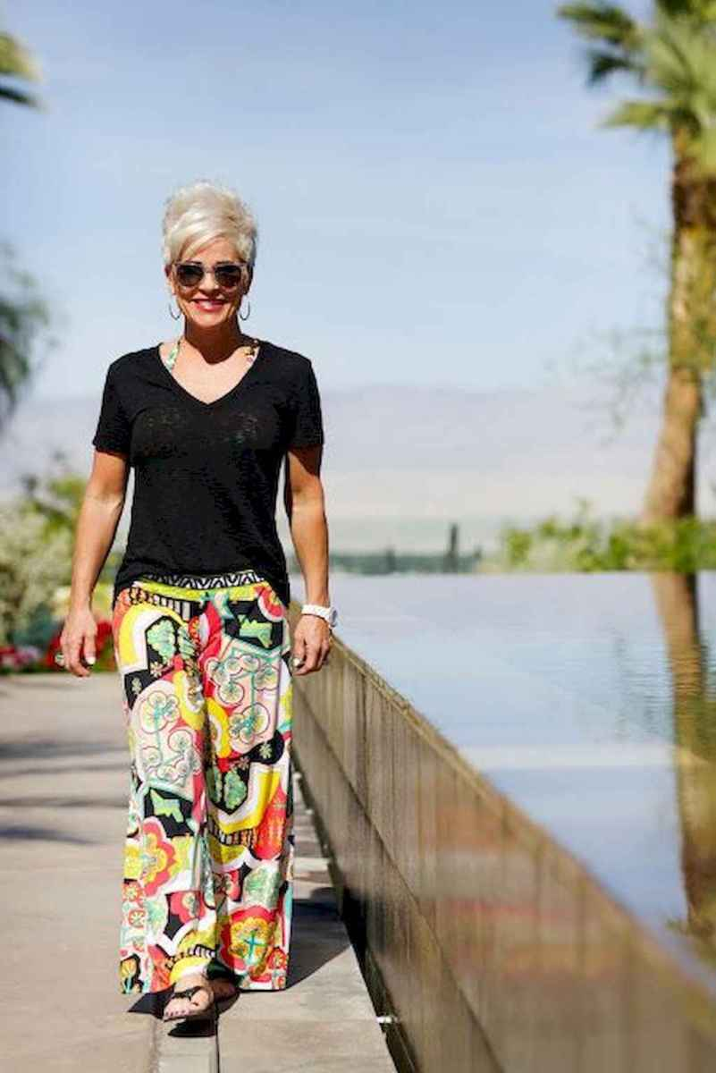 33 Best Stylish Outfits for Women over 50