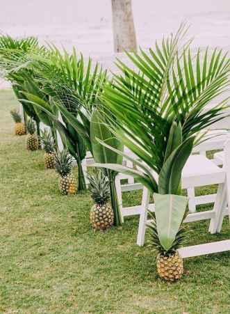 85 Romantic Tropical Wedding Ideas Reception Centerpiece