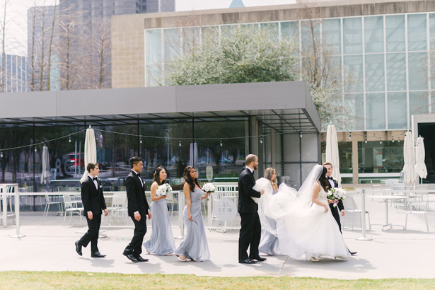 Light And Airy Wedding In Downtown Dallas Is Your Guide To